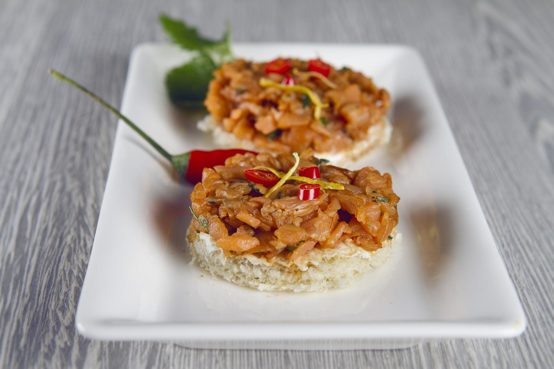 Savoury tartar- salmon and chives
