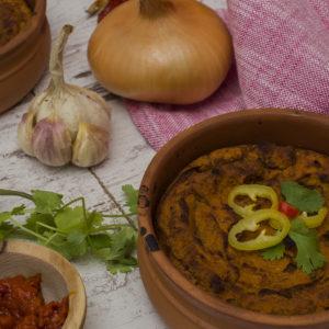 Gnječeni pasulj sa čilijem i pečenom paprikom