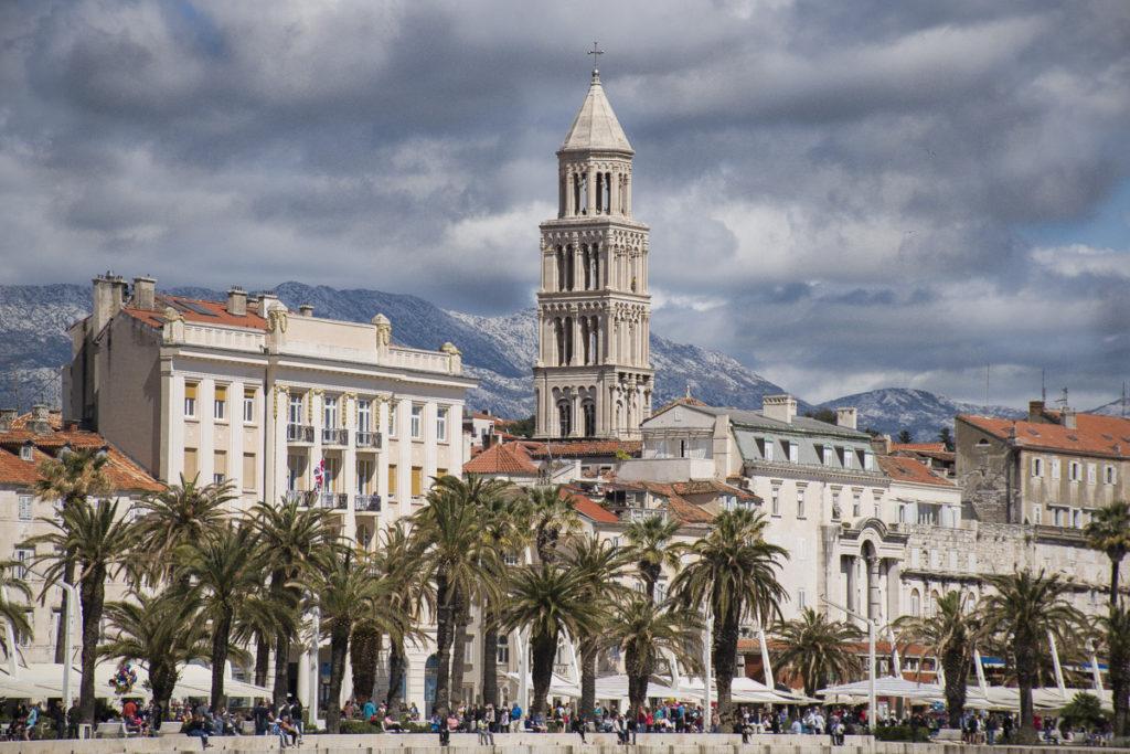 Splitska Riva, Putovanja, Letovanje u Splitu