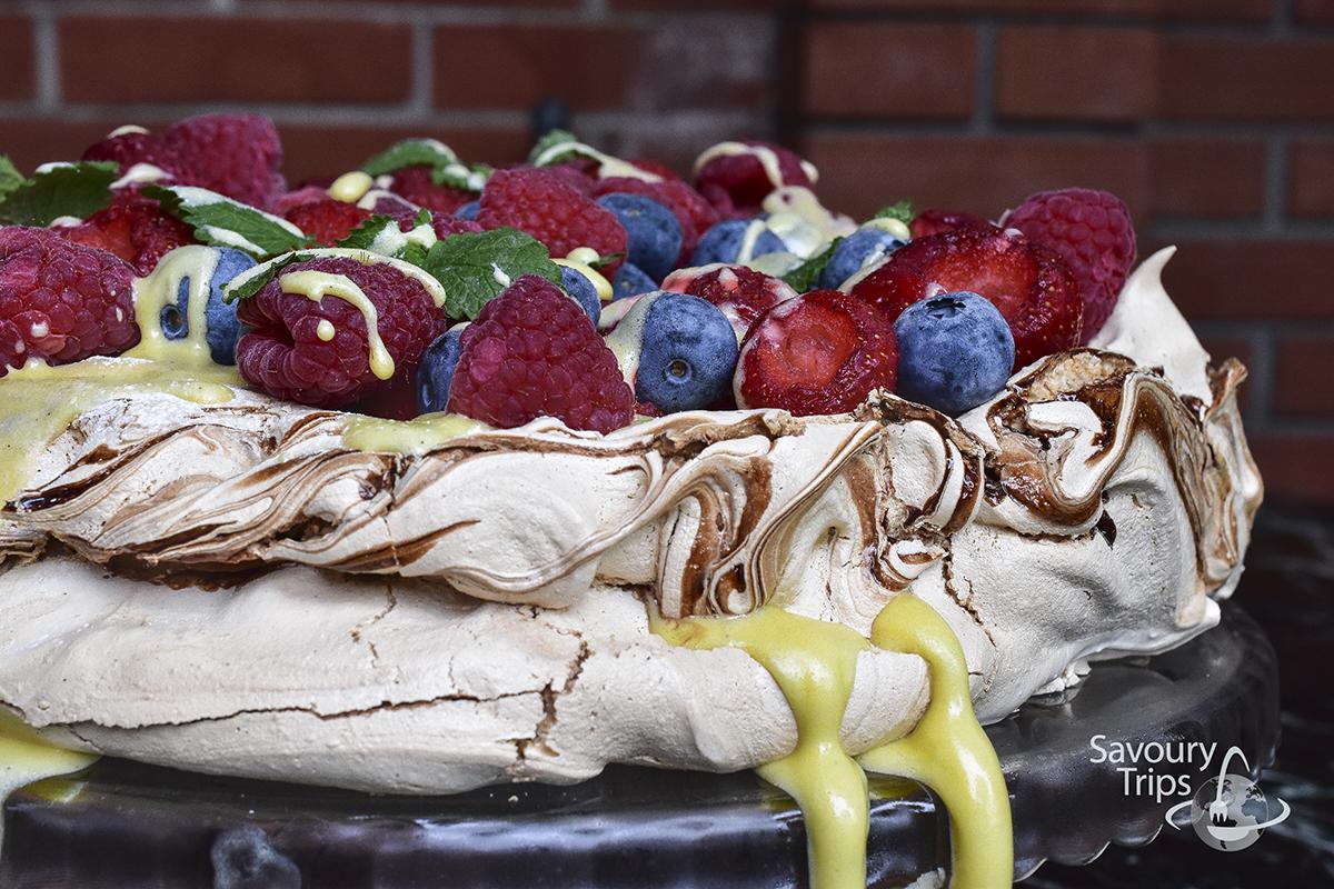 Pavlova fruit cake Cremeschnitte