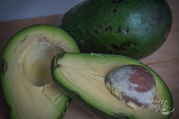 how to choose ripe avocado