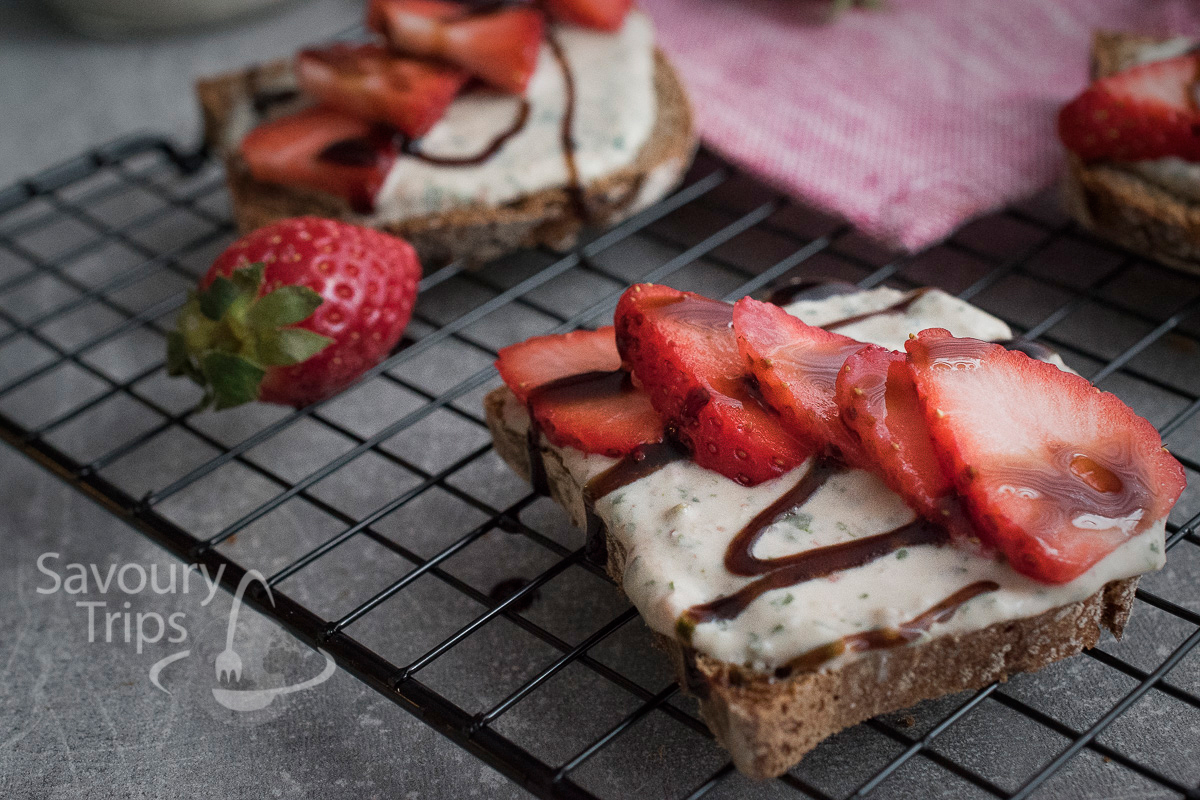 Recept za bruskete sa kozijim sirom i jagodama/Recipe for Bruchetta with goat cheese and strawberries