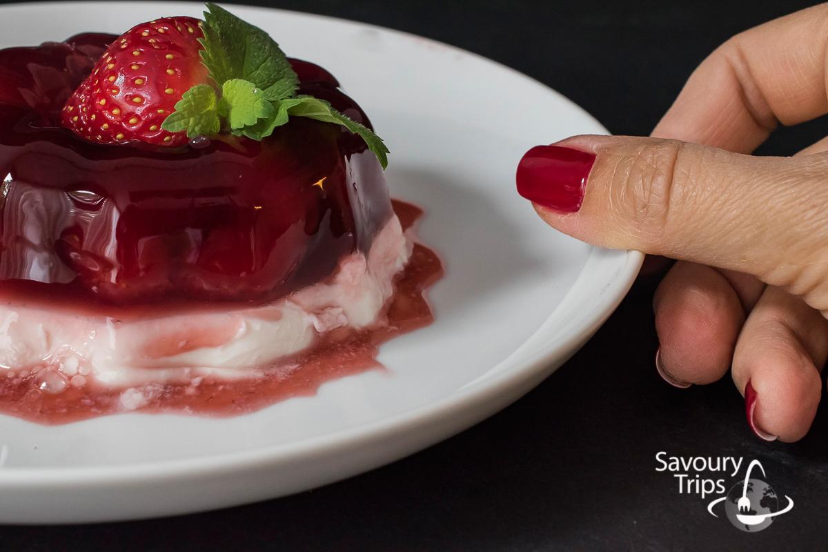Najbolji recept za panakota u želeu od jagoda / The best recipe for Pannacotta with strawberry jelly