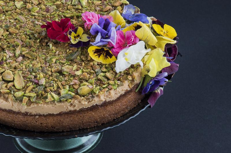 Torta za posebne prilike sa pistaćima / Easy creme caramel cake
