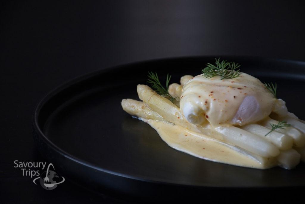 Asparagus in Holandaisse sauce
