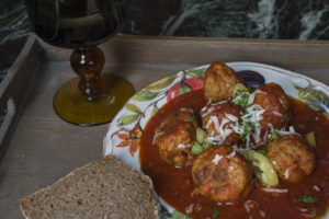 Meatballs in tomato sause
