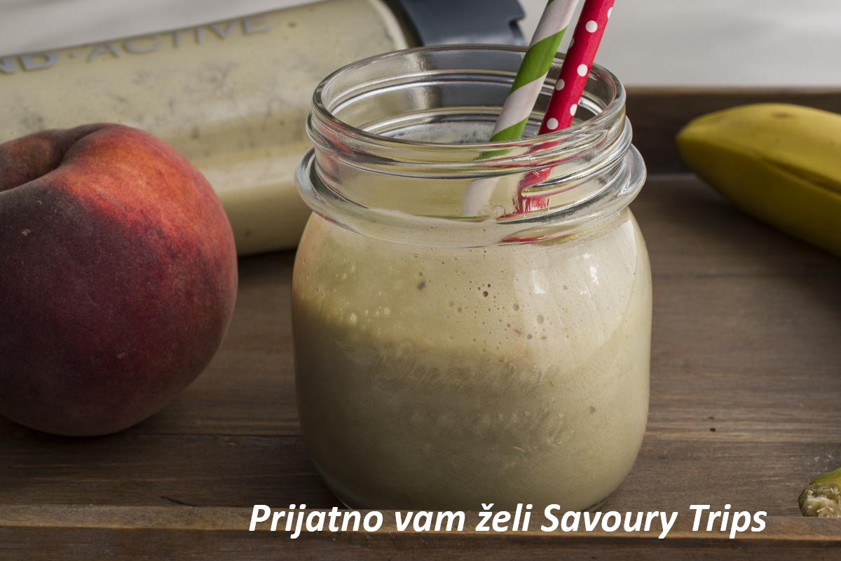 Banana peach and ginger smoothie