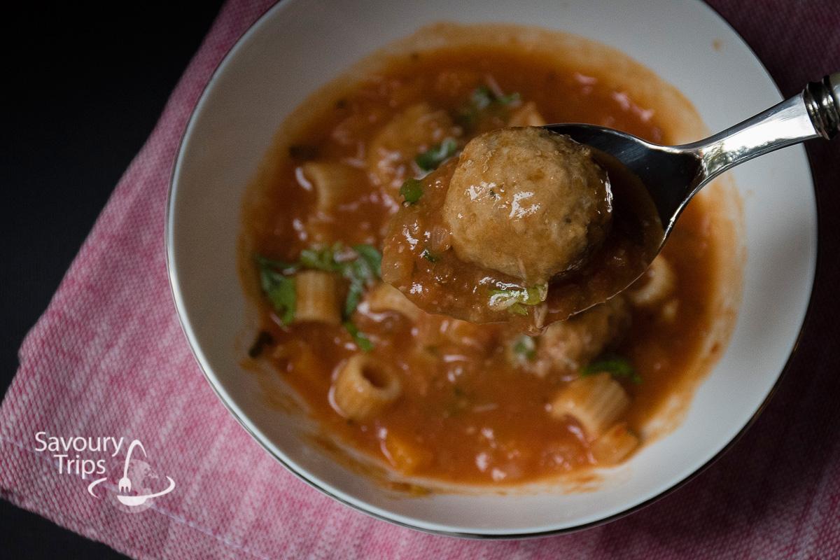 Ćufte u paradajz čorbi sa pastom / Meatballs tomato soup with pasta