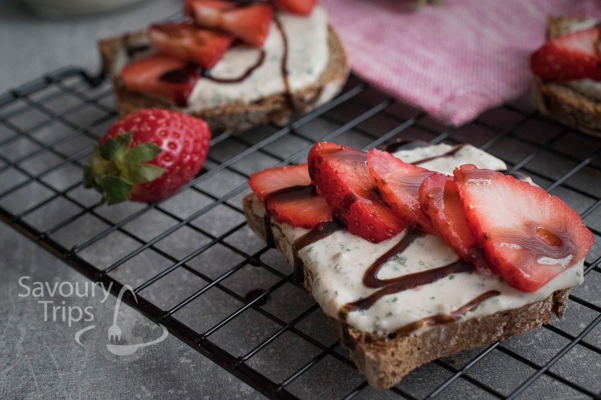 Recept za bruskete sa kozijim sirom i jagodama/Recipe for Bruchetta with goat cheese and strawberries