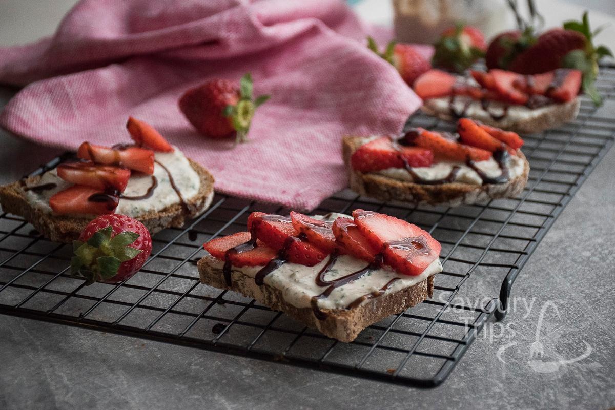 Recept za Bruskete sa kozijim sirom i jagodama / Recipe for Bruchetta with goat cheese and strawberries
