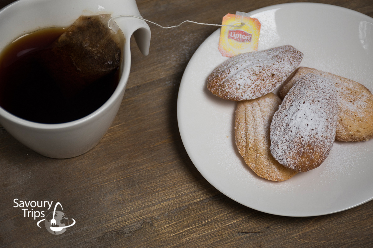 Frech Sponge shell like cakes Madeleine Recipe | Madlene recept