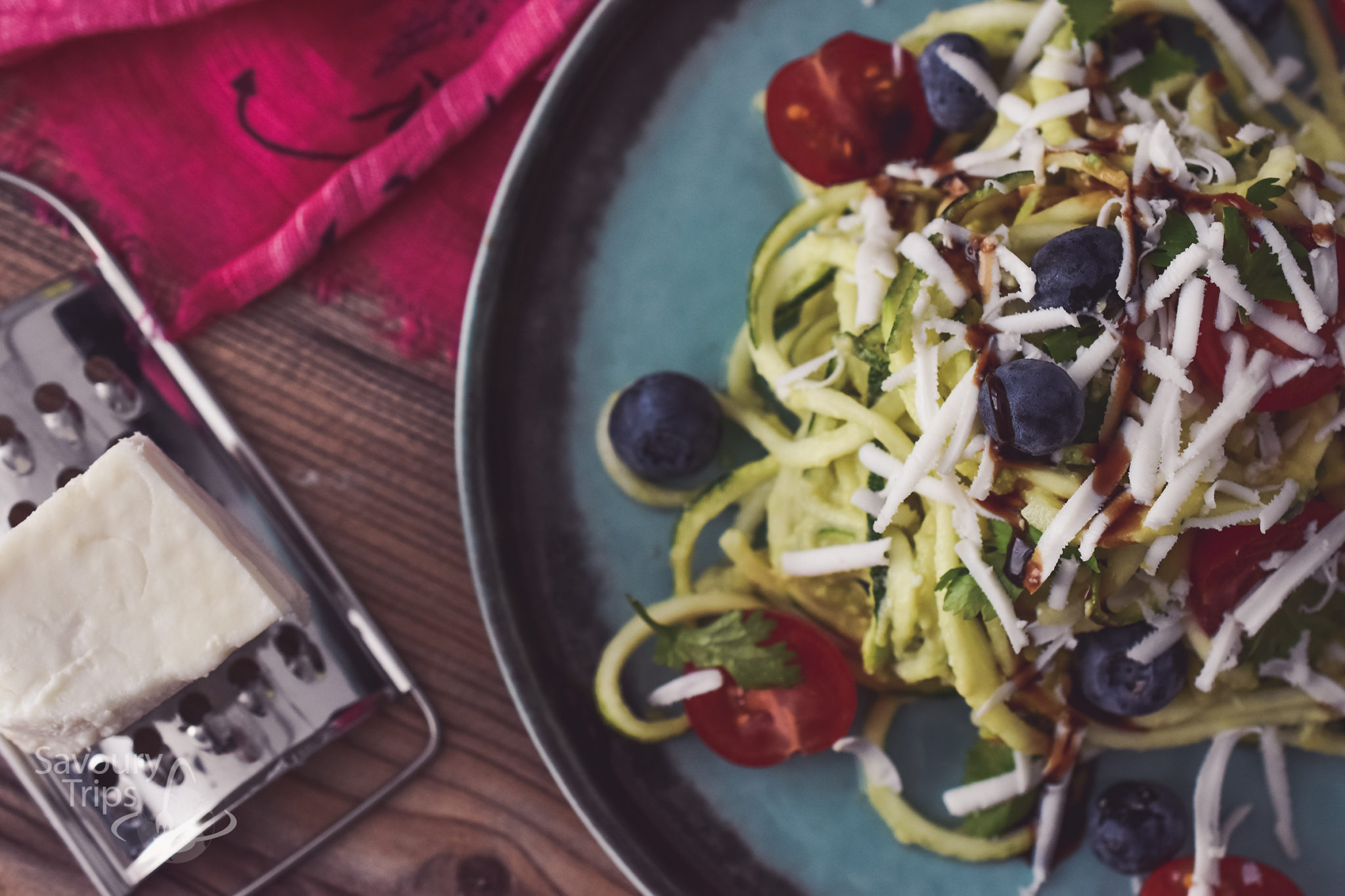 Spiralizer tikvice sa sirom i avokadom / spiralizer zucchini pasta salad with avocado and goat cheese