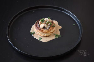 Tartlets with chicken and coconut milk