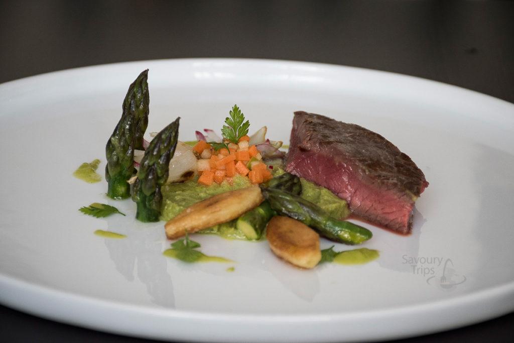 Beef in vegetables sauce