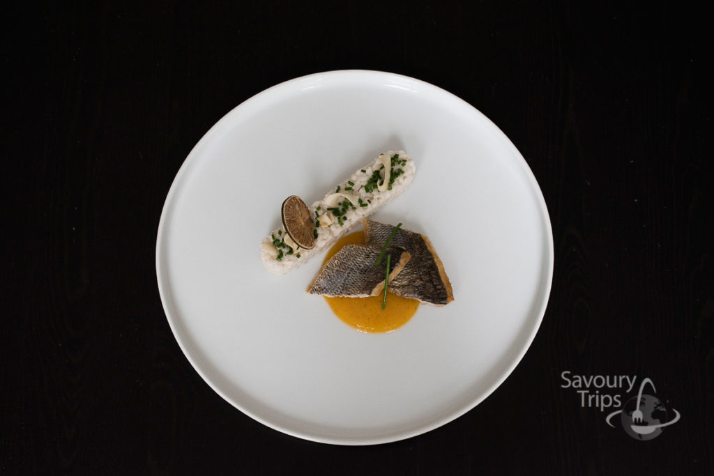 Orada u mango sosu / Sea bream with mango sauce and coconut rice