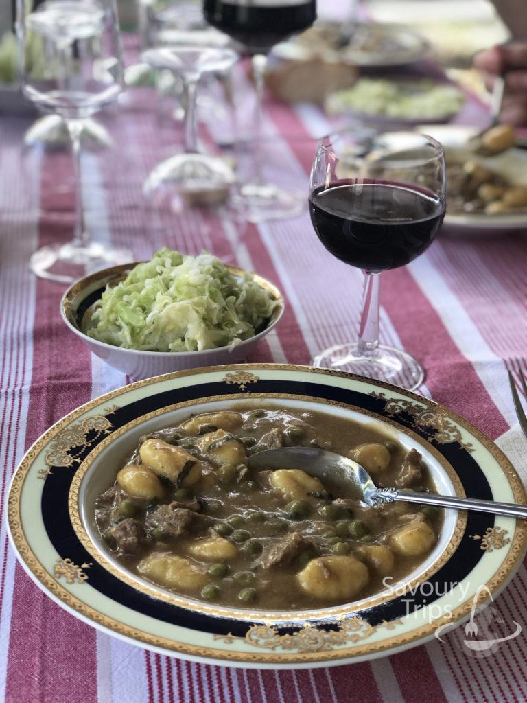 Jagnjeća gulaš supa / Jagnjeći gulaš iz kotlića